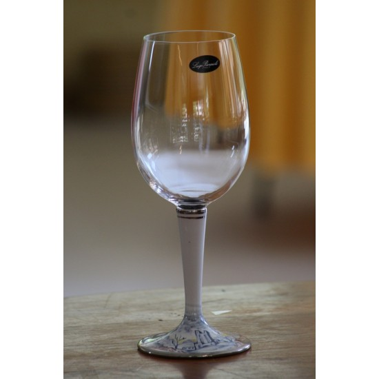 V51 Glass