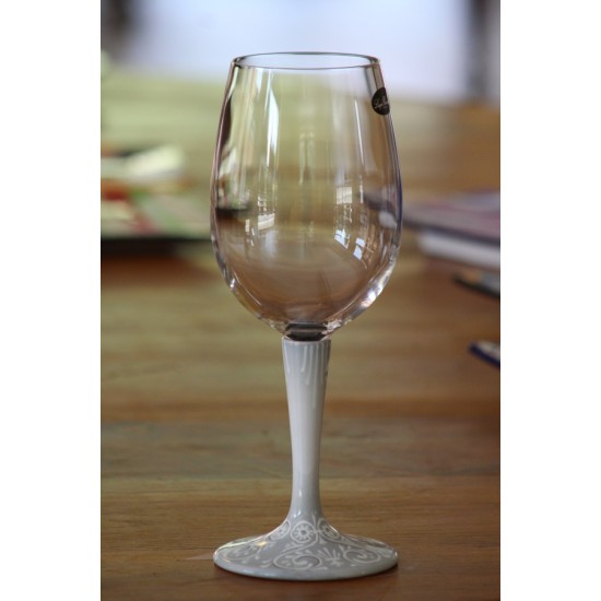 V59 Glass